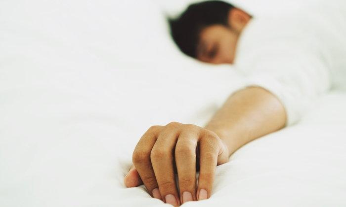 """ขั้นตอนการรักษาอาการ """"นอนกรน"""" โดยวิธีไม่ผ่าตัด"""