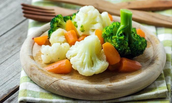 """4 อาหารช่วยลดเสี่ยงปอดอักเสบจาก """"ฝุ่น"""" ช่วง PM 2.5 บุกเมือง"""