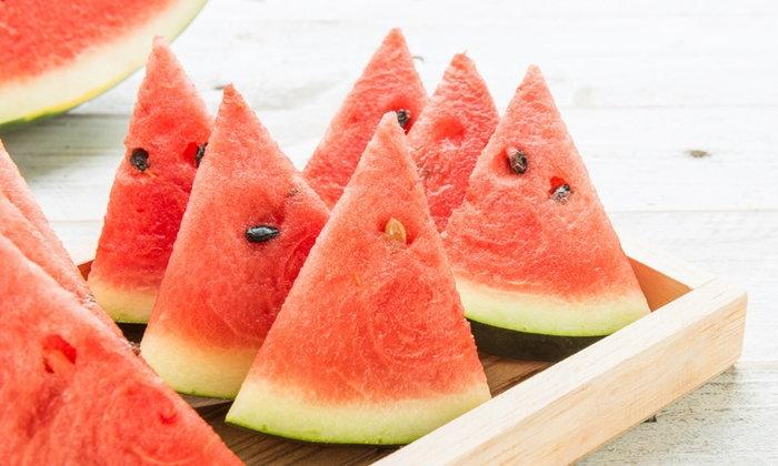 """10 ผลไม้ """"ฤทธิ์เย็น"""" กินแล้วชื่นใจ ดีต่อร่างกายในหน้าร้อน"""