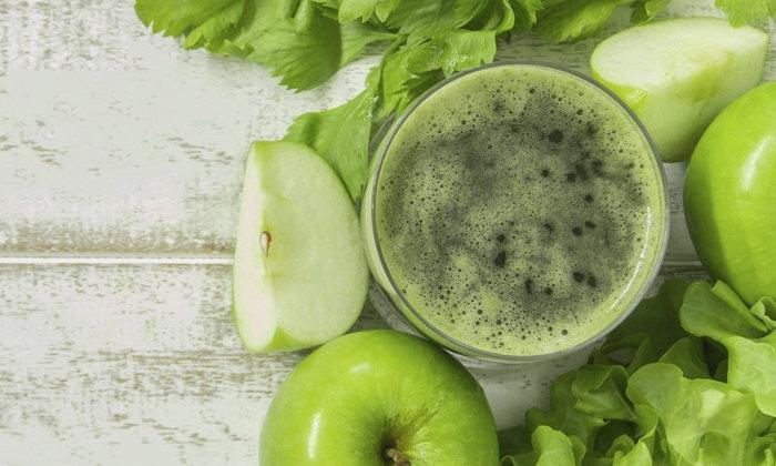 จริงหรือไม่? น้ำผักผลไม้ รักษามะเร็งได้?