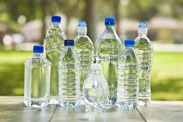 เตือน! ตุนน้ำดื่ม น้ำใช้ แต่ใช้ขวดพลาสติกซ้ำ ระวังเชื้อแบคทีเรีย