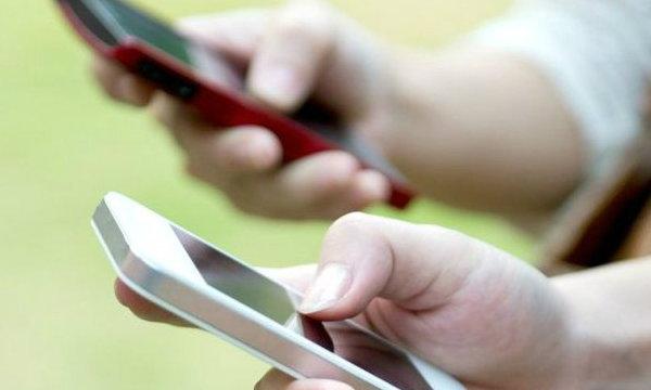 เล่นโทรศัพท์มือถือมากเกินไป เสี่ยง Text Neck Syndrome!