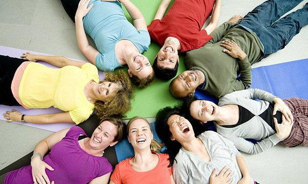 7 เทคนิค หัวเราะบำบัดกายเสริมใจ