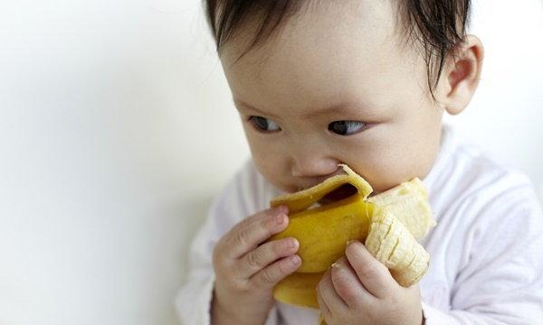อุทาหรณ์! เด็กอายุ 1 เดือนทานกล้วยเสียชีวิต เตือนควรให้ทานแค่นมแม่