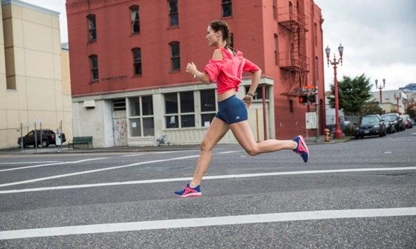 5 เคล็ดลับการเลือกรองเท้าวิ่งสำหรับผู้หญิง (ทำไมถึงไม่เหมือนผู้ชาย)