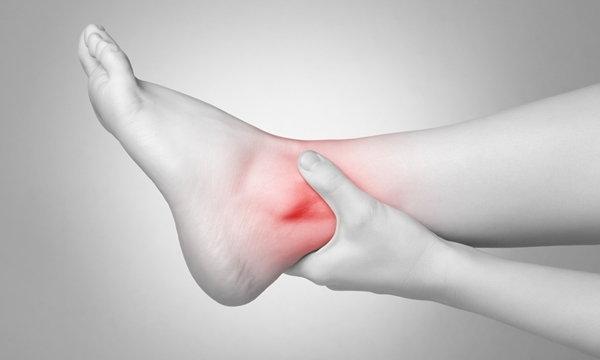 ผ่าตัดข้อเท้า ด้วยวิธีผ่าตัดส่องกล้อง แผลเล็ก เจ็บน้อย ฟื้นตัวเร็ว