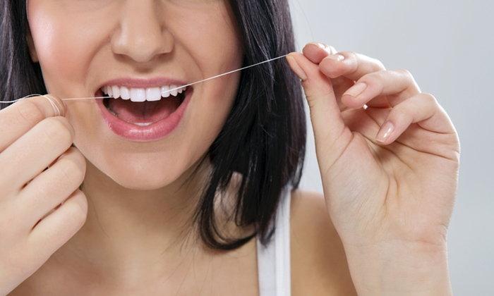 """5 เหตุผล ทำไมต้องใช้ """"ไหมขัดฟัน"""""""