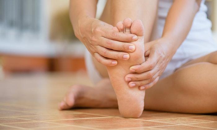 """รู้จัก """"เท้าแบน"""" ไม่ใช่โรค แต่ปล่อยไว้อาจเกิดภาวะแทรกซ้อน"""