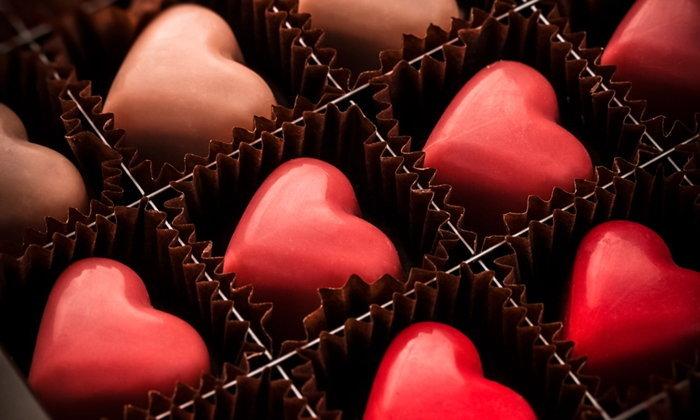 """วันวาเลนไทน์ 2562: กิน """"ช็อกโกแลต"""" อย่างไร ให้ """"หัวใจ"""" แข็งแรง?"""