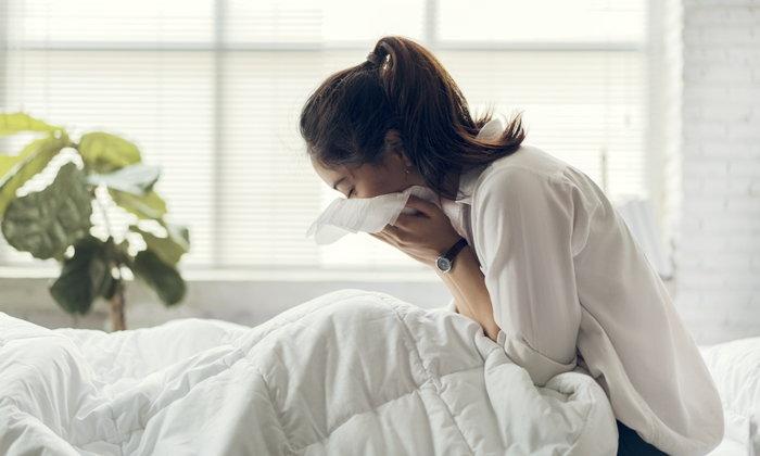 """อาการแบบนี้ """"เป็นหวัด"""" หรือ """"ไซนัสอักเสบ""""?"""