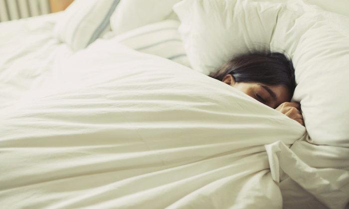 """ทำไม """"นอนเยอะ"""" แต่ยังง่วง-อ่อนเพลีย?"""