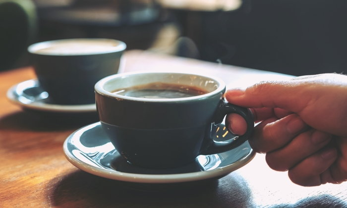 """""""กาแฟ"""" เครื่องดื่มเรียกพลัง ดื่มไม่ถูกวิธีอาจทำลายสุขภาพได้"""