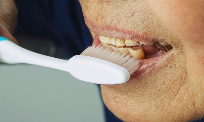 """""""สุขภาพช่องปาก"""" ปัญหาที่ไม่เล็กของผู้สูงอายุ"""