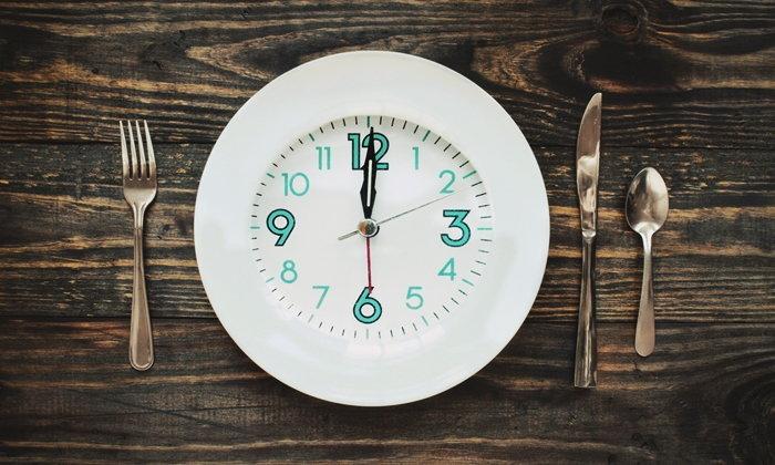 """เคล็ดลับ อดอาหาร Intermittent Fasting เพื่อ """"ลดน้ำหนัก"""" อย่างได้ผล"""