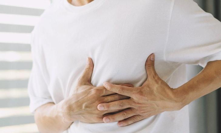 """""""มะเร็งเต้านมในเพศชาย"""" ปัจจัยเสี่ยง และอาการที่เป็นสัญญาณอันตราย"""