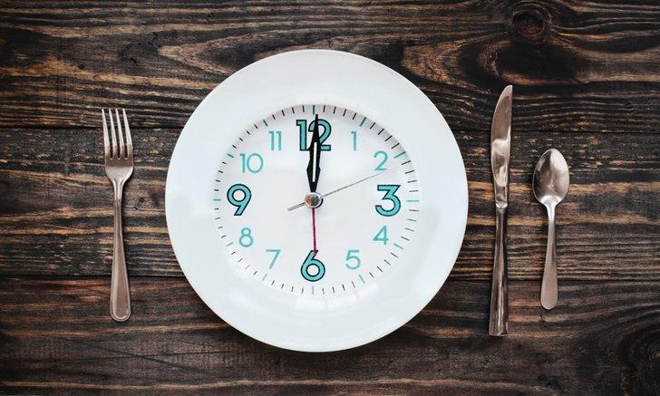 """ข้อดีของ IF หรือ """"งดมื้ออาหาร"""" ที่มากกว่าแค่ """"ลดน้ำหนัก"""""""