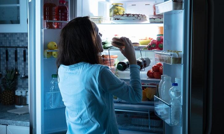 """นักโภชนาการแนะวิธีรับมือ ปัญหา """"กินจุกจิก"""" จาก """"ความเครียด"""""""