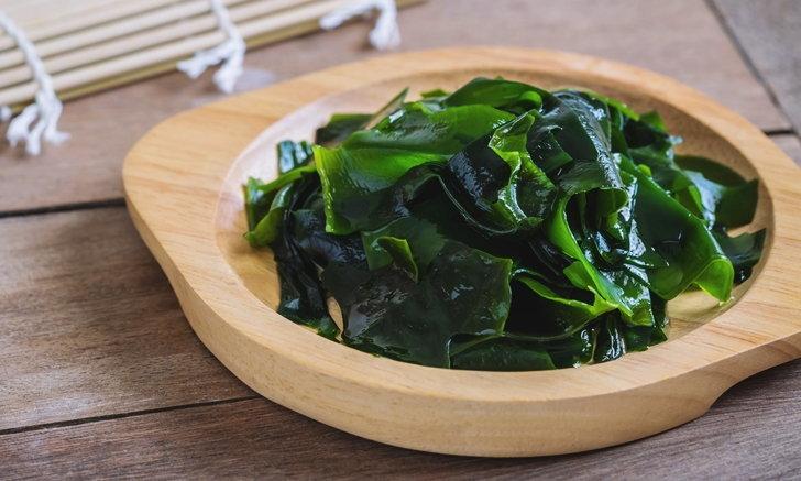 """ชาวญี่ปุ่นแนะนำ 5 อาหารลดปัญหา """"ผมหงอก"""""""