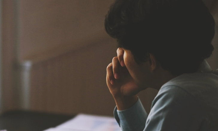 """7 วิธีปรับมุมมองเพื่อ """"ปลดล็อก"""" ความรู้สึกผิดหวังในตัวเอง"""