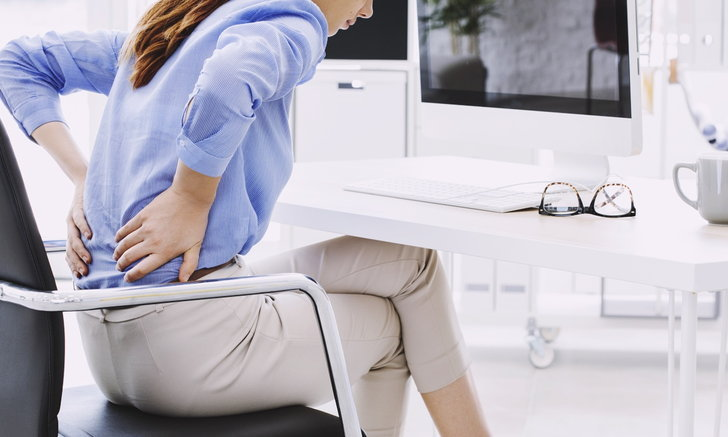 """วิธีลดอาการปวดเมื่อย หลังจาก """"นั่งนานๆ"""""""