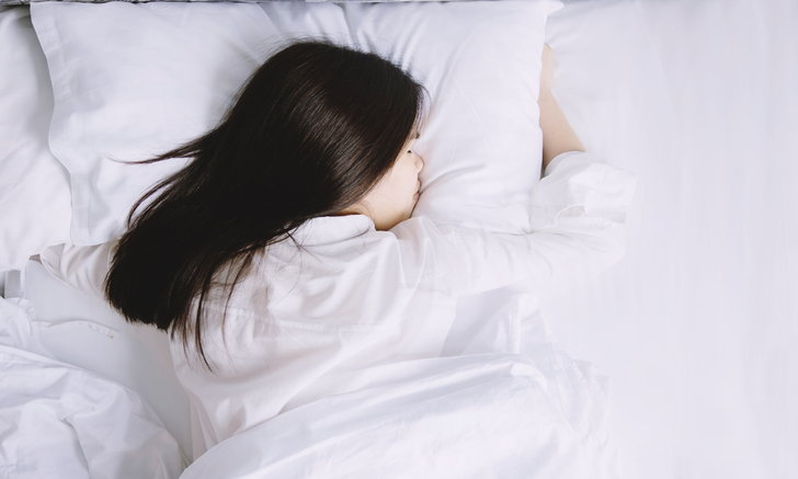 """บรรเทาอาการผู้ป่วย """"โควิด-19"""" ที่หายใจลำบากด้วยวิธี """"นอนคว่ำ"""""""
