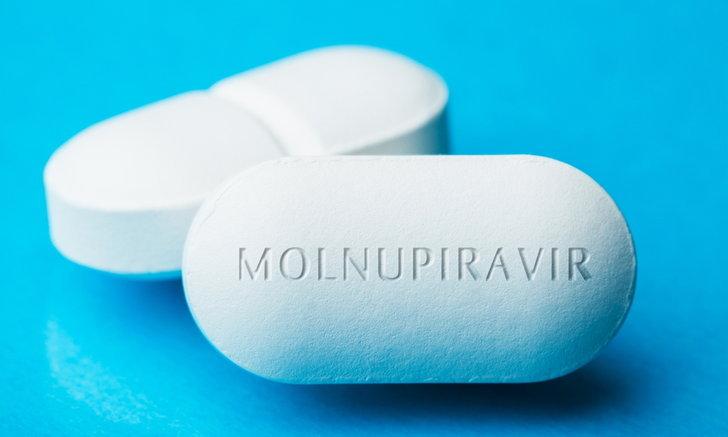 """ยา """"โมลนูพิราเวียร์"""" แนวทางใหม่ในการรักษาโควิด-19"""