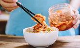 """6 ประโยชน์ """"กิมจิ"""" ผักดองเกาหลี มีสารอาหารดีๆ มากกว่า 34 ชนิด"""