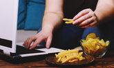 """รู้จักภาวะ """"กินเพราะเครียด"""" สาเหตุและอันตรายที่อาจเกิดขึ้นได้"""