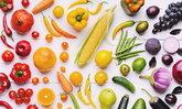 """ตัวอย่าง """"ผักผลไม้"""" 5 กำมือ 5 สีที่ควรกินในแต่ละวัน"""
