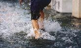"""น้ำท่วม ระวัง """"น้ำกัดเท้า"""" อาการ และวิธีรักษาด้วยตัวเอง"""