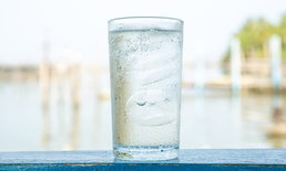 """ดื่ม """"น้ำเย็น"""" เป็นประจำ อันตรายต่อสุขภาพหรือไม่?"""