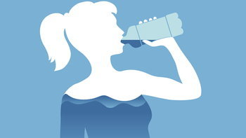 """8 สัญญาณเตือนว่าคุณกำลัง """"ดื่มน้ำน้อยเกินไป"""""""
