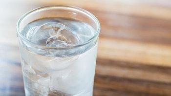 ดื่มน้ำเย็น อันตรายต่อสุขภาพจริงหรือ?