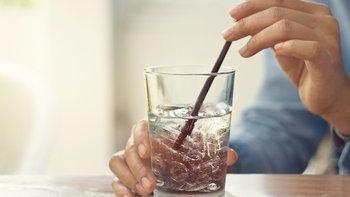 ดื่มน้ำเย็นหลังอาหาร เสี่ยงมะเร็ง-ไขมันอุดตัน จริงหรือ?
