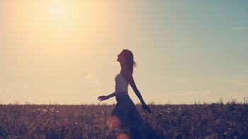 ตากแดดวันละ 5 นาที เพิ่มวิตามินดีให้ร่างกายได้ถึง 90 เปอร์เซ็นต์