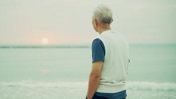 """6 สัญญาณเตือนภาวะ """"ซึมเศร้า"""" ในผู้สูงอายุ"""