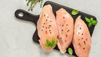 """9 ประโยชน์ดีๆ ของ """"อกไก่"""" ที่ไม่ใช่แค่ช่วยลดน้ำหนัก-สร้างกล้ามเนื้อ"""