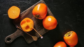 """5 ประโยชน์ดีๆ ของ """"ลูกพลับ"""" ที่อาจทำให้คุณอยากกินมากขึ้น"""