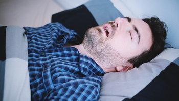 """7 วิธี แก้อาการ """"นอนกรน"""""""