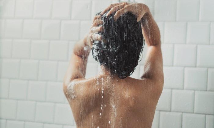 """เราจำเป็นต้อง """"อาบน้ำ"""" ทุกวันหรือไม่?"""