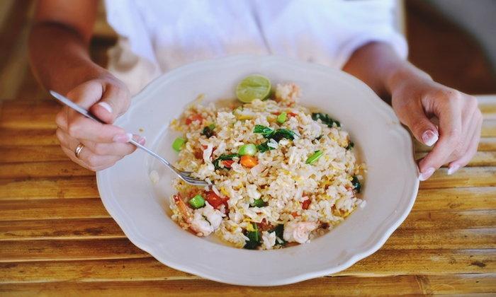 กินข้าวเย็นไว กับ 5 ประโยชน์ดีๆ ต่อร่างกายที่คุณอาจไม่รู้
