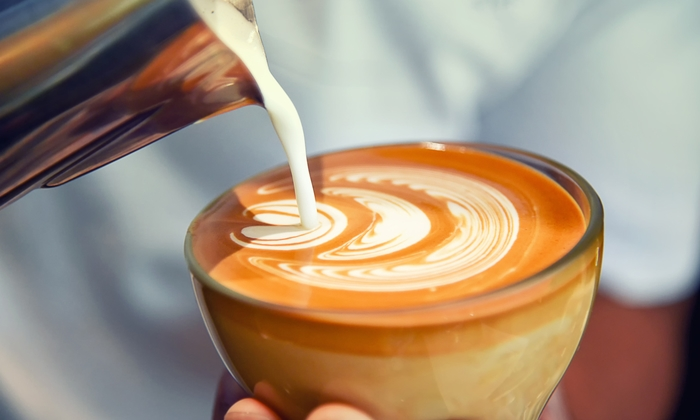 """การศึกษาชี้ """"ดื่มกาแฟ"""" อาจช่วยให้อายุยืนขึ้น"""