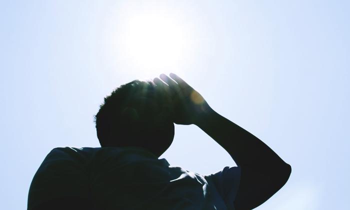 """""""โรคลมร้อน"""" (heat stroke) อันตรายต่อชีวิต เผย 6 กลุ่มเสี่ยงควรระวัง"""