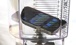 iPhone 4S โดนปั่นแล้วโดยรายการ Will It Blend เจ้าเก่า