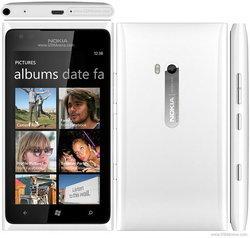 โนเกียหั่นราคา Lumia 900 ลงครึ่งหนึ่ง