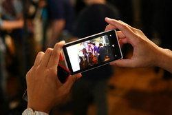 เปรียบเทียบภาพถ่ายในที่แสงน้อย ระหว่าง Nokia Lumia 920 และ iPhone 5