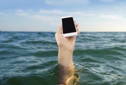 สุดยอดสมาร์ทโฟนกันน้ำของปี 2016