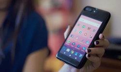 เบื่อเคส iPhone เดิม ๆ ใส่เคส Eye Smart Case ที่มี Android อยู่ด้านหลัง อีกเครื่อง