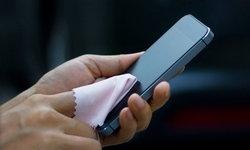 รวมวิธีง่ายๆ ในการทำความสะอาดมือถือให้เครื่องเก่าของคุณกลายเป็นของใหม่