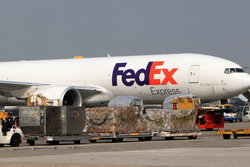 จีนเริ่มตรวจสอบบริษัทสัญชาติอเมริกันโต้กลับสหรัฐแบน Huawei รายแรกคือ FedEx